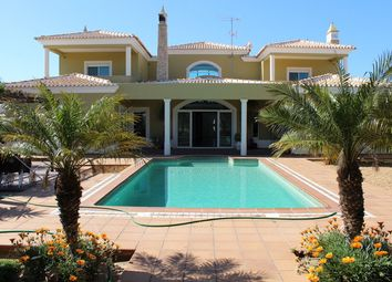 Thumbnail 6 bed villa for sale in Portugal, Algarve, Olhão