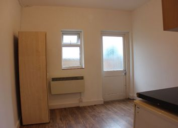 Thumbnail Studio to rent in Nags Head Road, Ponders End, Enfield
