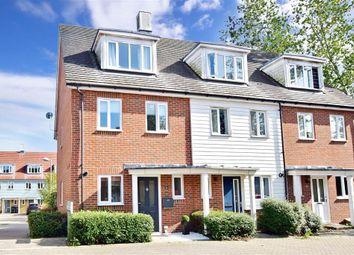 Laurence Hamilton Lane, Ashford, Kent TN23. 3 bed town house