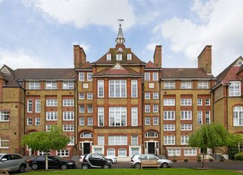 Thumbnail 3 bed flat to rent in Reed Place, London