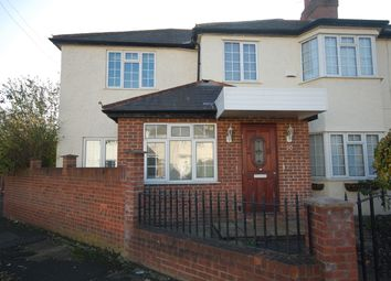 Thumbnail 2 bed flat to rent in Staveley Gardens, Chiswick