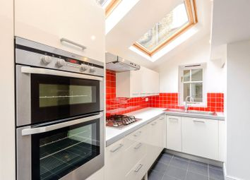 2 bed flat to rent in Broughton Road, London SW6