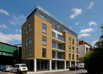 Thumbnail 2 bed flat to rent in Cudworth Street, Whitechapel