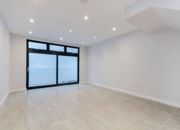 Thumbnail 2 bed flat for sale in St James's Park, Croydon