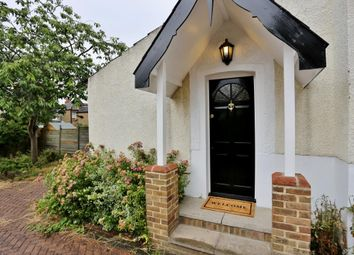 Thumbnail 2 bed flat to rent in Abbey Road, Bexleyheath