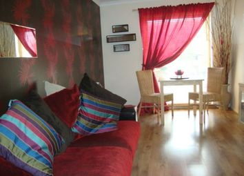 Thumbnail 1 bed flat to rent in Gallacher Avenue, Paisley