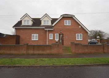 Thumbnail 4 bedroom detached house to rent in Chamberlain Avenue, Corringham, Essex