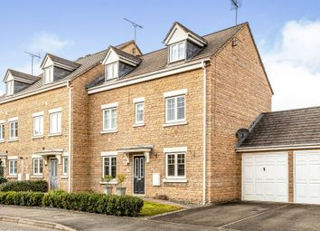 Thumbnail 4 bed property for sale in Lapsley Drive, Banbury