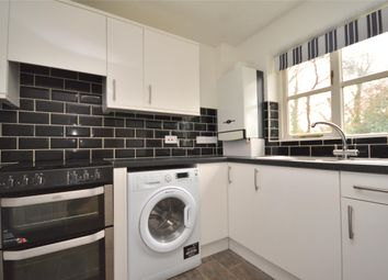 1 bed flat to rent in The Woodlands, Smallfield, Horley Surrey RH6
