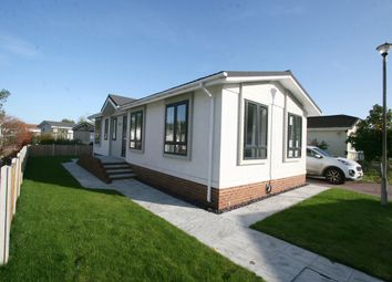 Thumbnail 2 bed mobile/park home for sale in Bletchenden Road, Headcorn