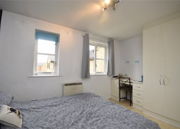 1 bed flat to rent in Mullards Close, Mitcham, Surrey CR4