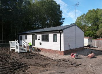 Thumbnail 2 bed mobile/park home for sale in Hooks Cross, Watton At Stone, Hertford