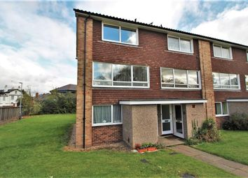 2 bed maisonette for sale in Lima Court, Bath Road, Reading, Berkshire RG1
