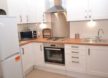 2 bed flat to rent in Albert Street, Edinburgh EH7