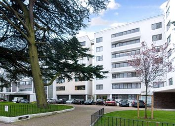 Thumbnail 4 bed flat for sale in North Hill, Highgate Village, London