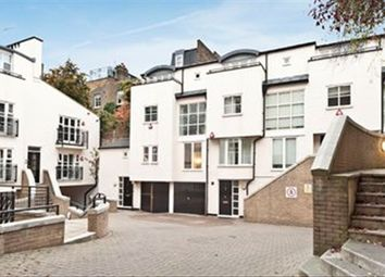 Thumbnail Studio to rent in Peony Court, London