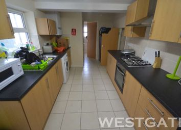 Thumbnail 6 bedroom end terrace house to rent in Blenheim Road, Reading