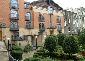 Thumbnail 2 bed flat to rent in 1 Artesian Road, London