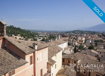 Thumbnail 4 bed apartment for sale in Spoleto, Umbria, It