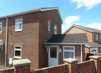Thumbnail 2 bed property to rent in Allan Grove, Romsey