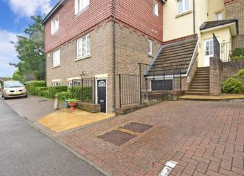 Park View, Caterham, Surrey CR3. 1 bed maisonette