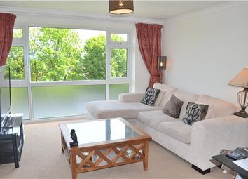 Thumbnail 2 bedroom flat to rent in Warwick Road, Barnet, Hertfordshire