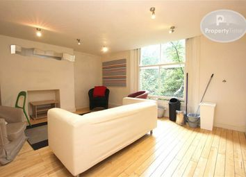 Thumbnail 3 bed flat to rent in Dresden Road, Archway, London