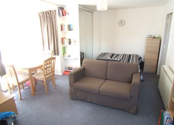 Thumbnail Property to rent in Weatherall Close, Addlestone