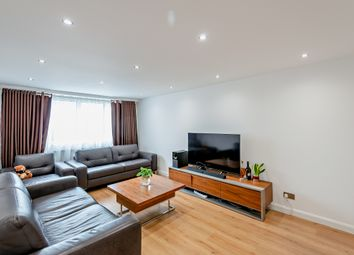 2 bed flat for sale in Adams Road, London N17