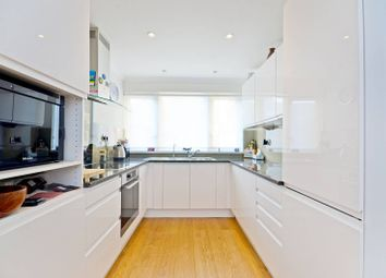 2 bed maisonette to rent in Brecknock Road, Tufnell Park, London N7