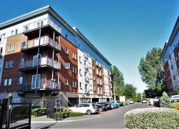 2 bed flat to rent in Elmira Way, Salford M5