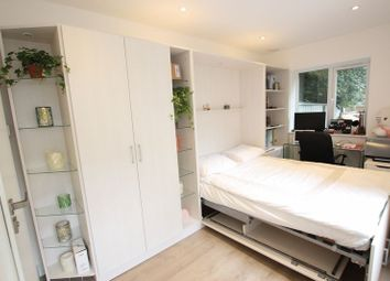 Thumbnail Property to rent in Hendon Way, London
