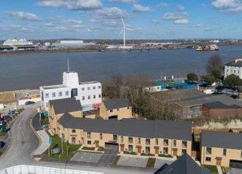 Thumbnail 1 bed flat for sale in Berwick Square, Cable Wharf, Northfleet
