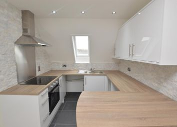 Thumbnail 2 bedroom flat for sale in Kendall Road, Colchester