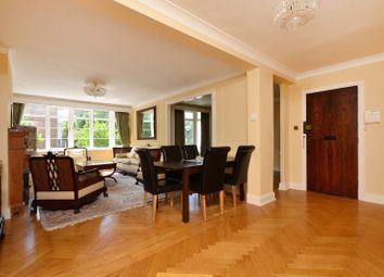 Thumbnail 3 bed flat to rent in Mount Avenue, Ealing