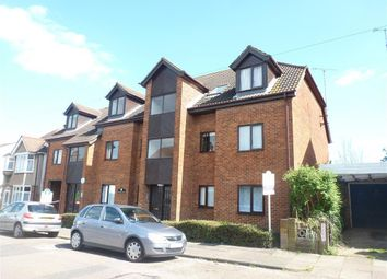 Thumbnail 2 bedroom flat to rent in College Road, St.Albans