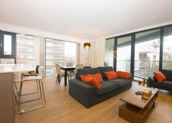 Thumbnail 3 bed flat to rent in Leathermarket Street, London