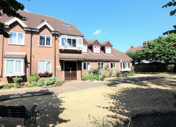 Thumbnail 2 bed flat to rent in Yewlands, Hoddesdon