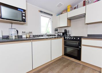 2 bed mobile/park home for sale in Palm Crescent, Birchington Vale, Birchington CT7
