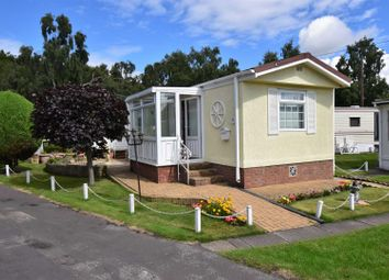 Thumbnail 1 bedroom mobile/park home for sale in Fairholme Park, Ollerton, Newark