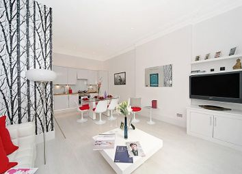 Thumbnail 2 bed flat to rent in Courtfield Gardens, South Kensington, London, Sw7