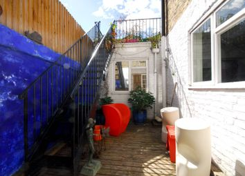 2 bed maisonette to rent in Chesson Road, West Kensington W14