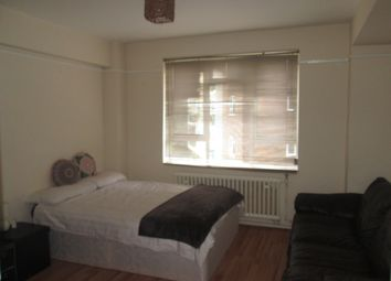 Thumbnail Room to rent in Abbots Manor, London