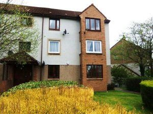 Thumbnail 2 bed flat to rent in Pentland Terrace, High Valleyfield