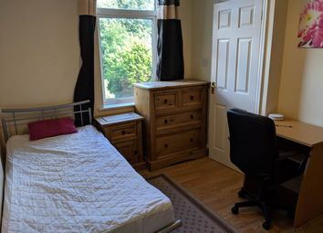 Thumbnail Room to rent in Room 3, Dogsthorpe Road, City Centre, Peterborough