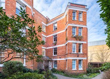 York House, 14 Highbury Crescent, London N5. 3 bed flat for sale