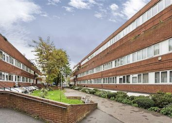 2 bed maisonette to rent in Mccarthy Court, Battersea SW11