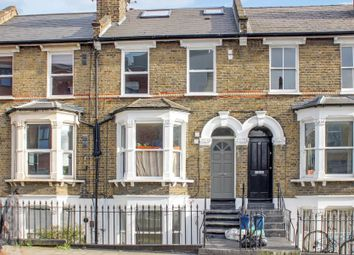 Thumbnail 1 bed flat to rent in Kenworthy Road, Hackney
