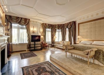 Thumbnail 4 bed flat to rent in Cumberland House, Kensington Road