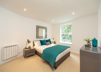Thumbnail 2 bed flat for sale in Cadogan Terrace, London